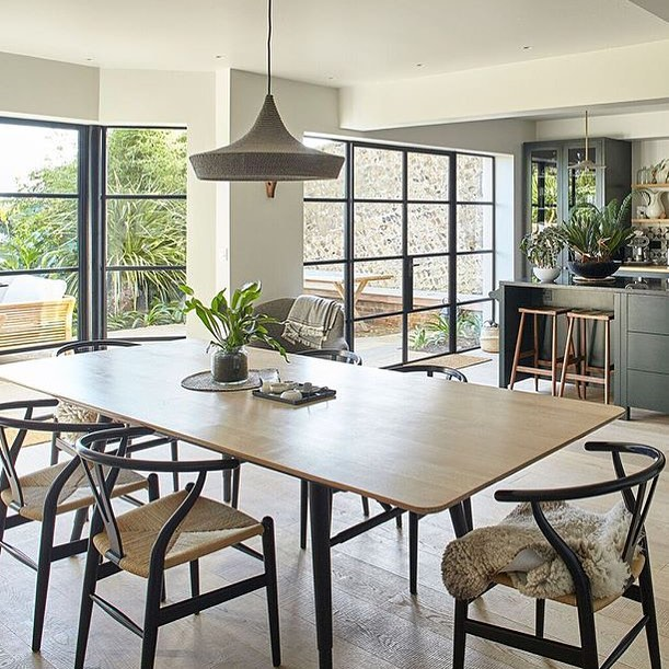 Our Cave pendant looking very serene in this stunning Lewes home interior by our very talented clients @cave_interiors. A huge belated congratulations to Cave Interiors for featuring on the @homesandgardensuk Top interior designers list earlier this year 🏽 So so deserving of their spot!